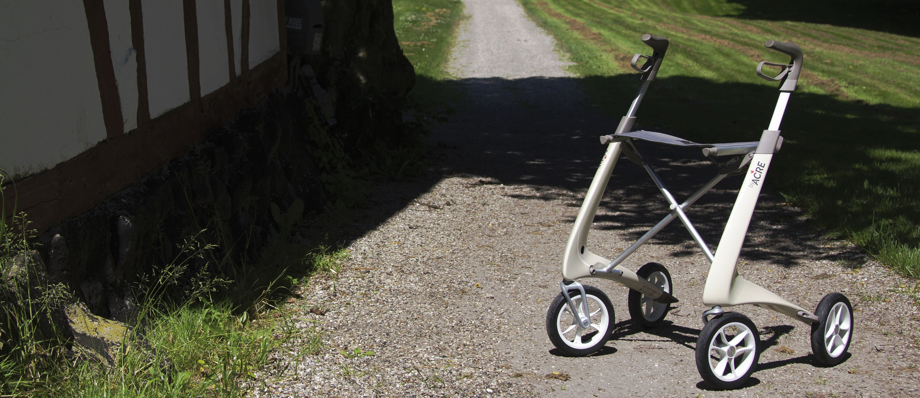 White Carbon Ultralight Rollator byACRE - seen in perspective